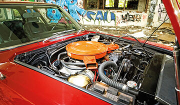 Jensen Interceptor, Motor