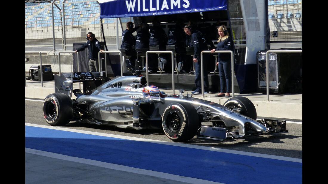 Jenson Button - McLaren - Formel 1 - Test - Bahrain - 21. Februar 2014