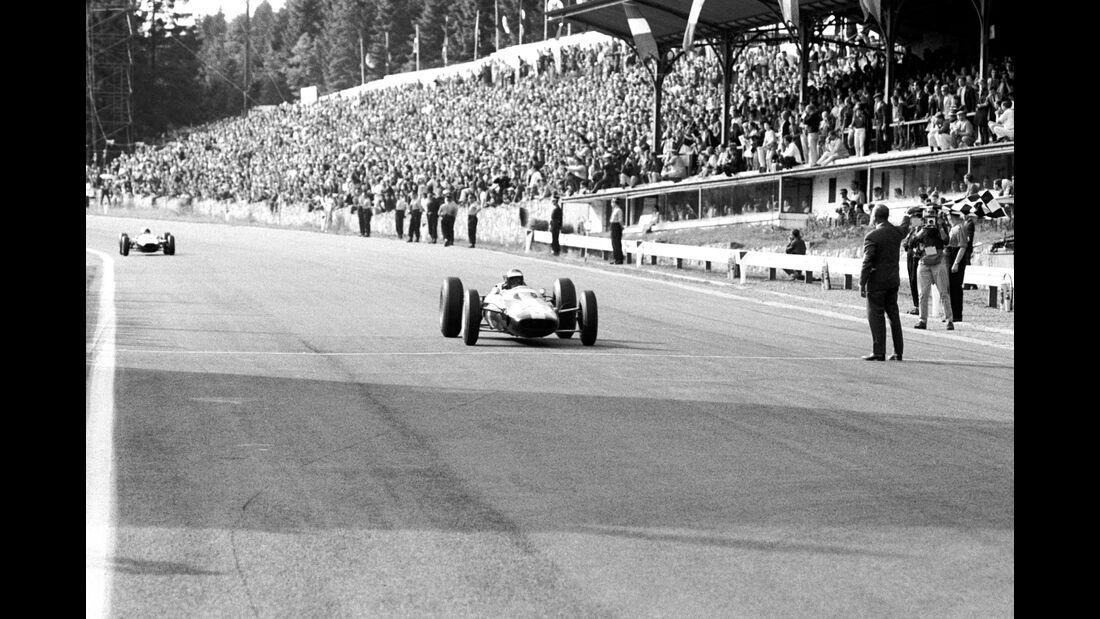 Jim Clark - Lotus 25 - Bruce McLaren - Cooper T73 - GP Belgien 1964 - Spa