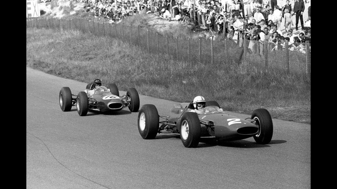 John Surtees - Ferrari 158 - Dan Gurney - Brabham BT7 - GP Niederlande 1964 - Zandvoort