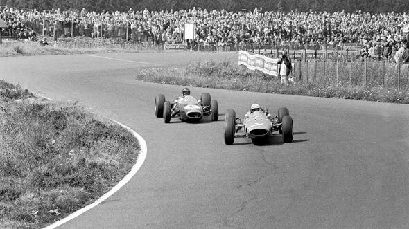 John Surtees - Ferrari 158 - Dan Gurney - Brabham BT7 - Nürburgring 1964