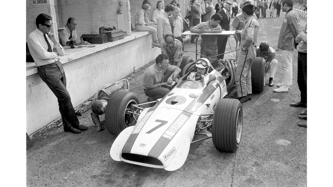 John Surtees - Honda RA301 - GP England 1968