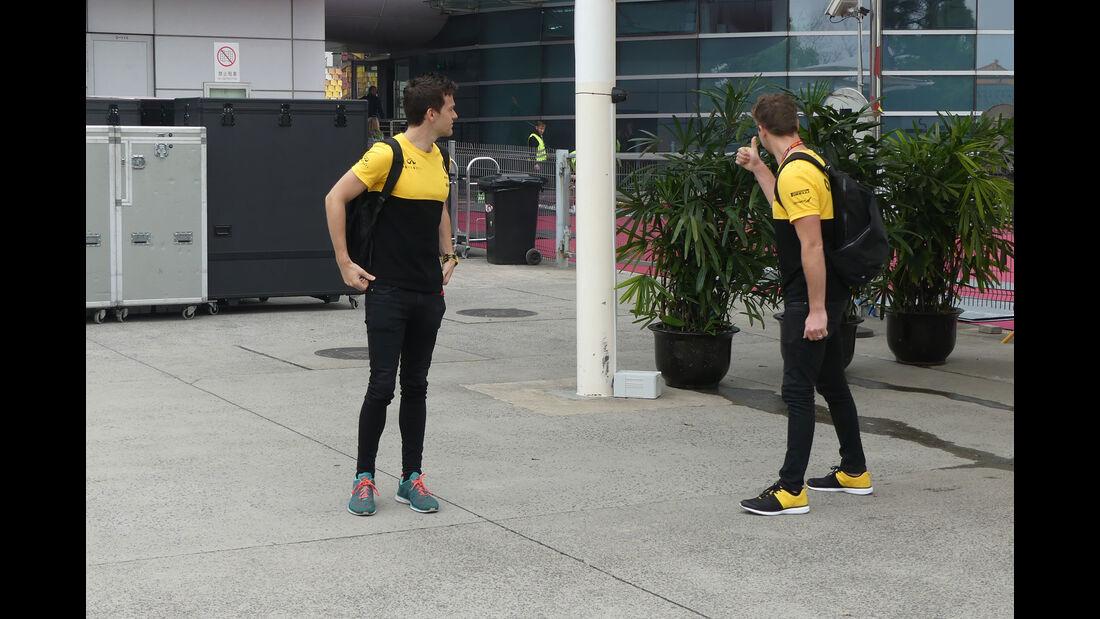 Jolyon Palmer - Renault - Formel 1 - GP China - Shanghai - 6.4.2017