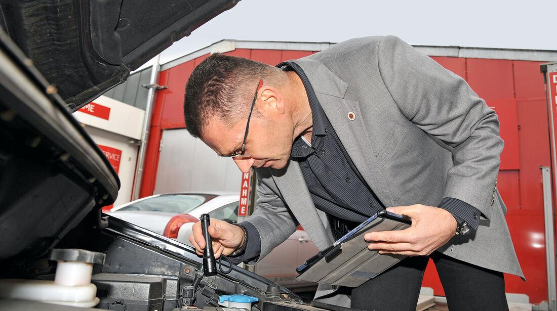 KFZ-Gutachter, Motorraum