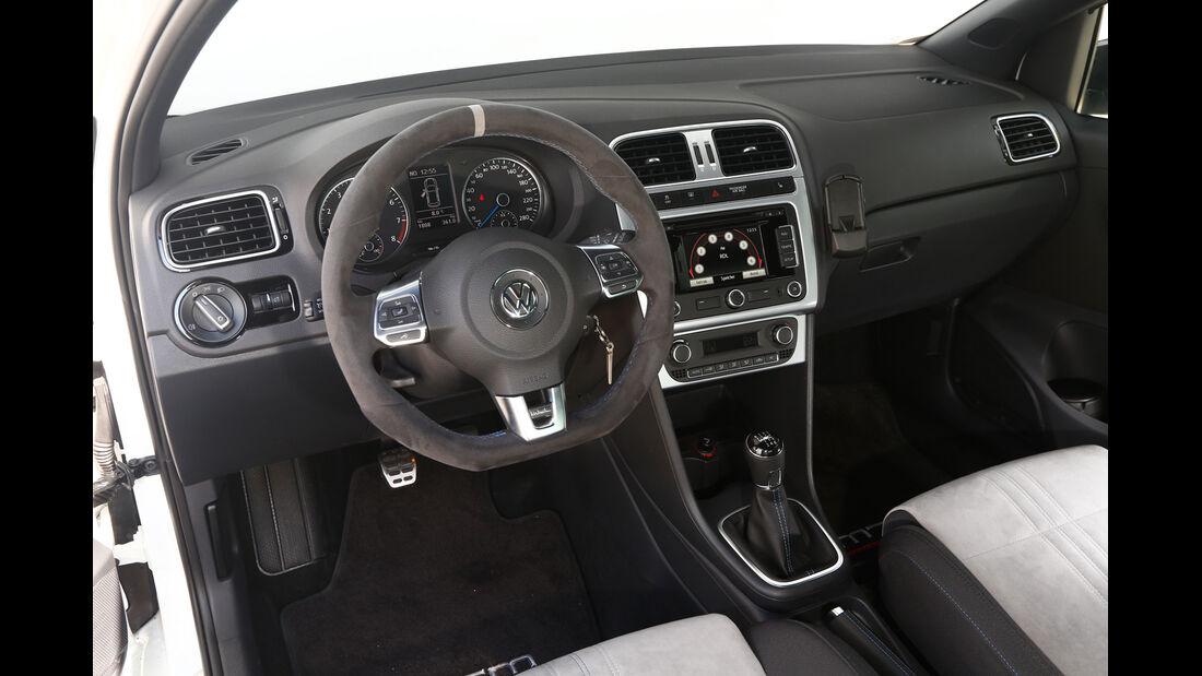 KL Racing-Polo R WRC, Cockpit