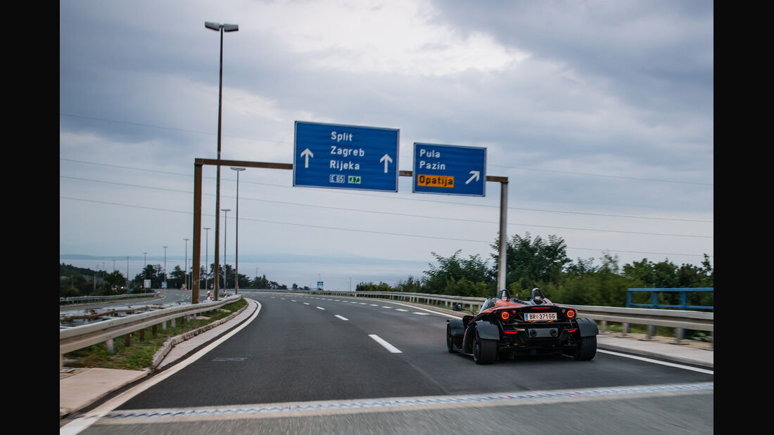 KTM X-Bow GT, Heckansicht, Autobahn