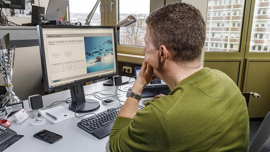 Kässbohrer Pistenbully Polar 600, Online-Kurs