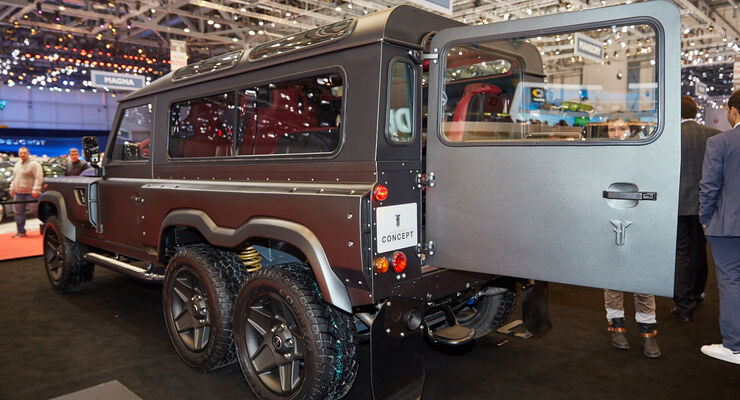 Kahn Design Flying Huntsman 6x6 Concept in Genf