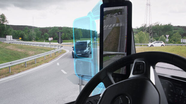 Kameras statt Rückspiegeln – geht das überhaupt? Was Sie schon immer über die MirrorCam wissen wollten.