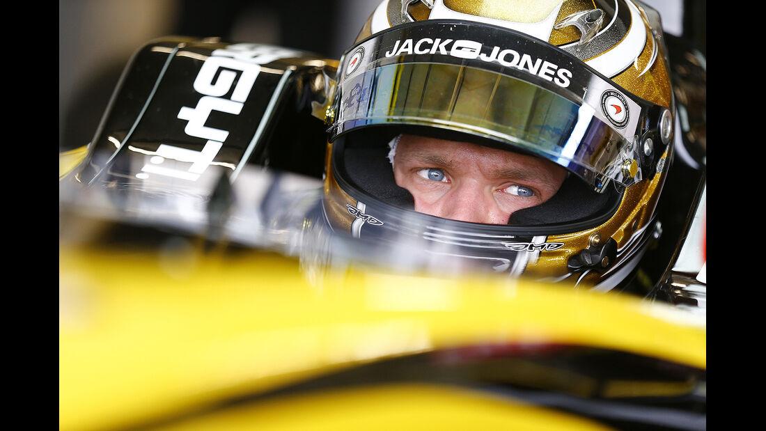 Kevin Magnussen, Cockpit