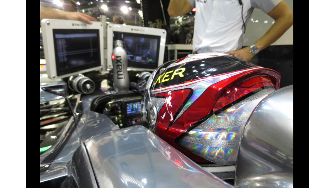 Kevin Magnussen - Helm - GP Singapur 2014