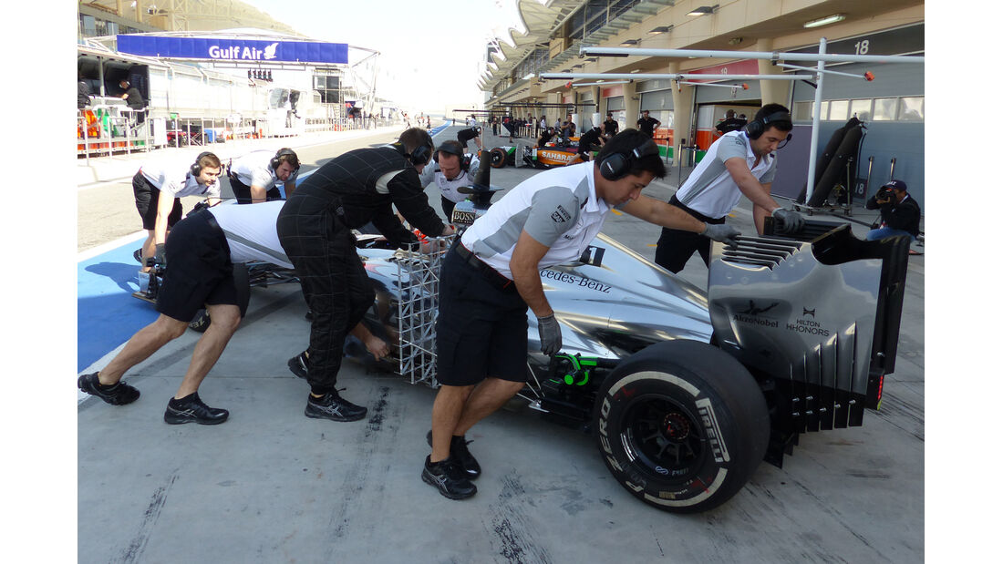 Kevin Magnussen - McLaren - Formel 1 - Test - Bahrain - 20. Februar 2014