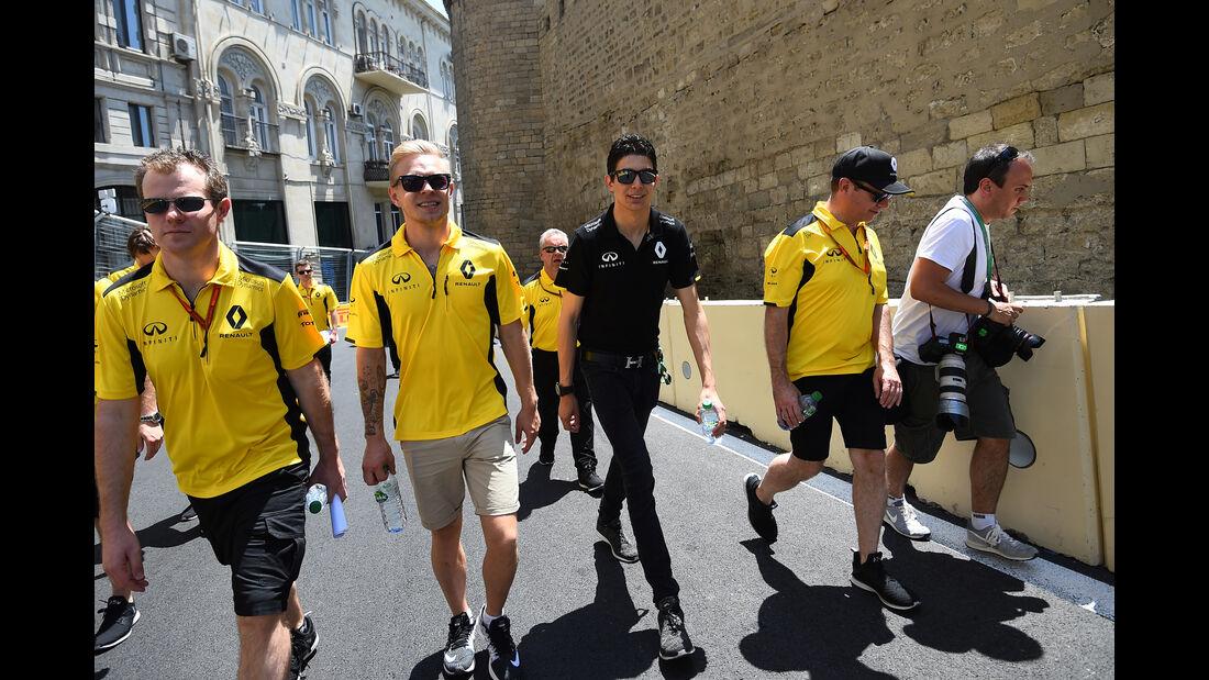 Kevin Magnussen - Renault - Formel 1 - GP Aserbaidschan - Baku - 16. Juni 2016
