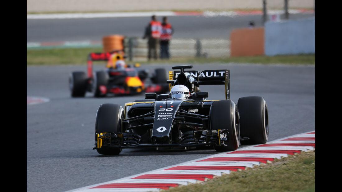 Kevin Magnussen - Renault - Formel 1-Test - Barcelona - 19. Februar 2015