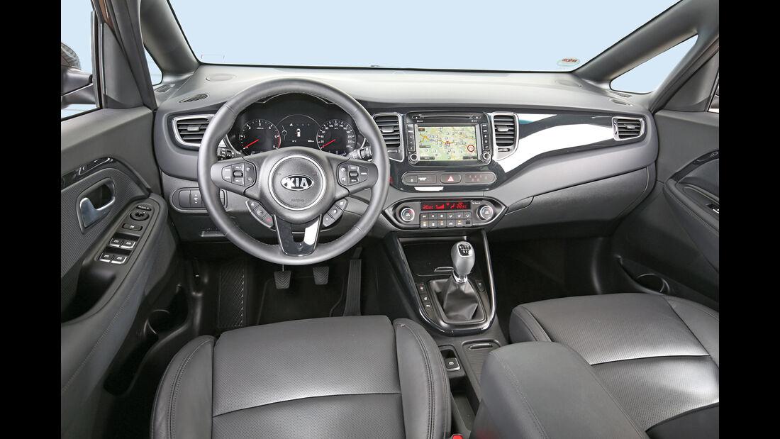 Kia Carens 1.7 CRDi, Cockpit