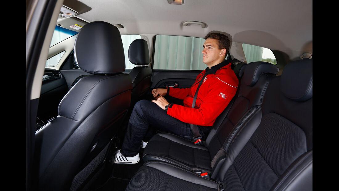 Kia Carens 1.7 CRDi, Rücksitz, Beinfreiheit