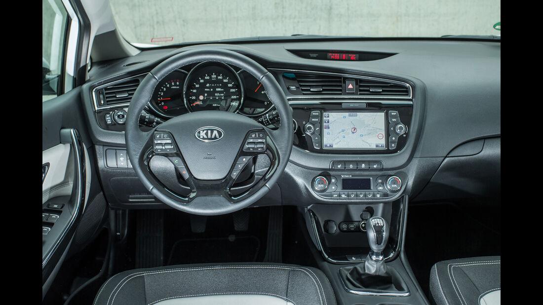 Kia Cee´d 1.6 CRDi, Cockpit