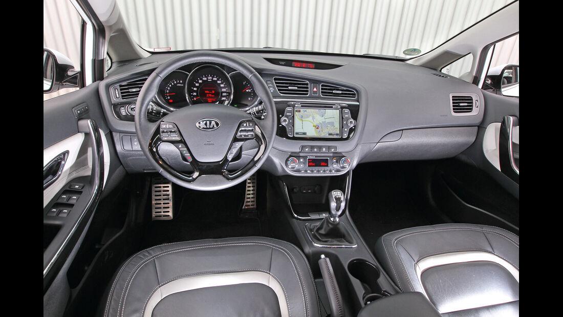 Kia Cee'd 1.6 GDi ISG Spirit, Cockpit