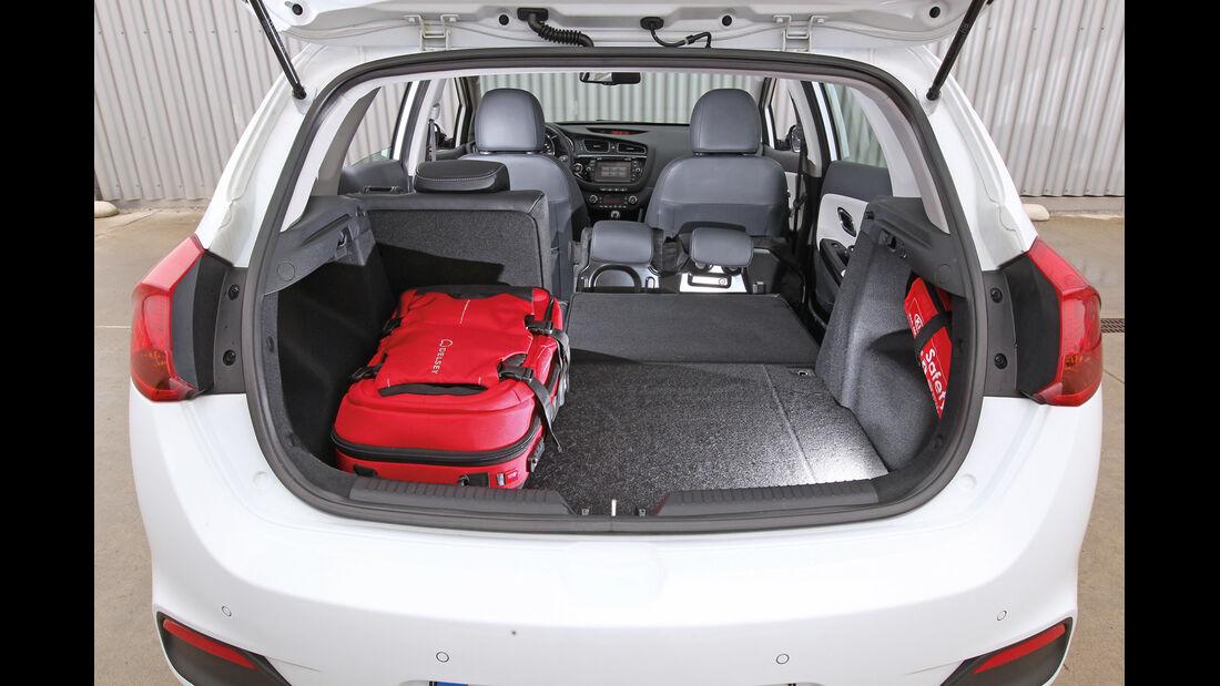 Kia Cee'd 1.6 GDi ISG Spirit, Rücksitz, Beinfreiheit