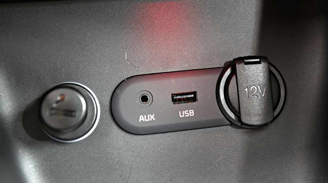 Kia Cee´d, Aux-in, USB