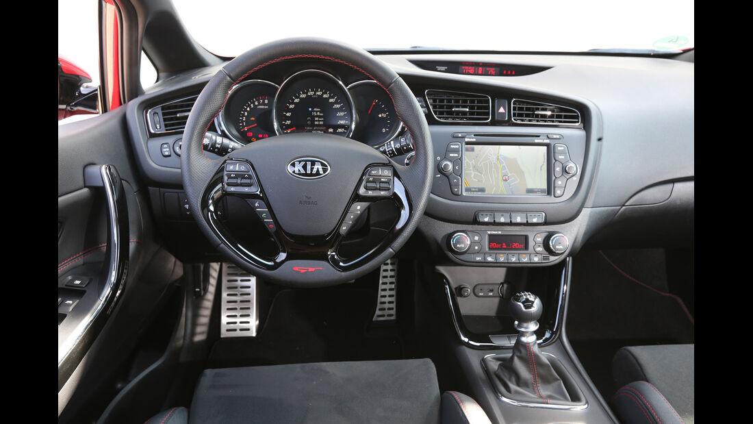 Kia Cee'd GT, Cockpit, Lenkrad
