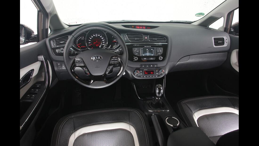 Kia Cee´d SW 1.6 GDI, Cockpit