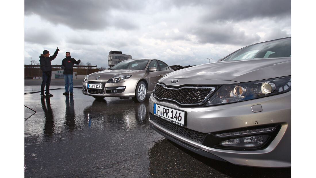 Kia Optima 1.7 CRDi Spirit, Renault Laguna Energy dCi 150, Motorhaube