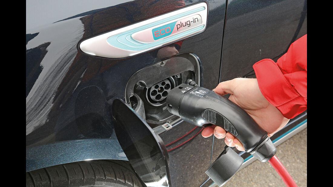 Kia Optima 2.0 GDI Plug-in Details