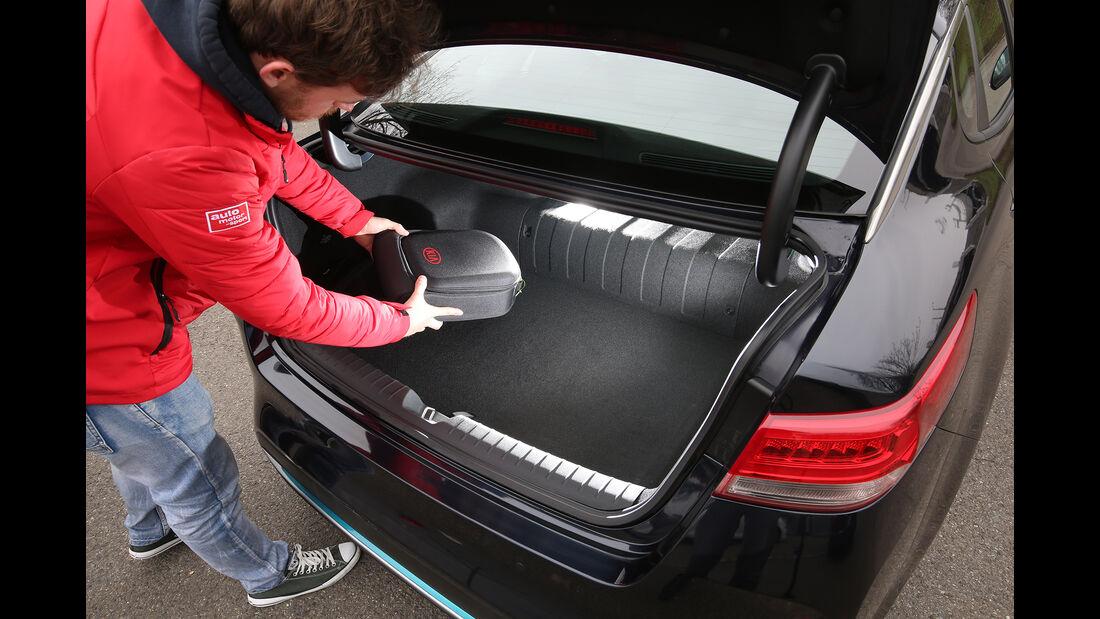 Kia Optima 2.0 GDI Plug-in Kofferraum