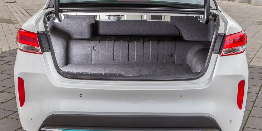 Kia Optima 2.0 GDI Plug-in, Kofferraum