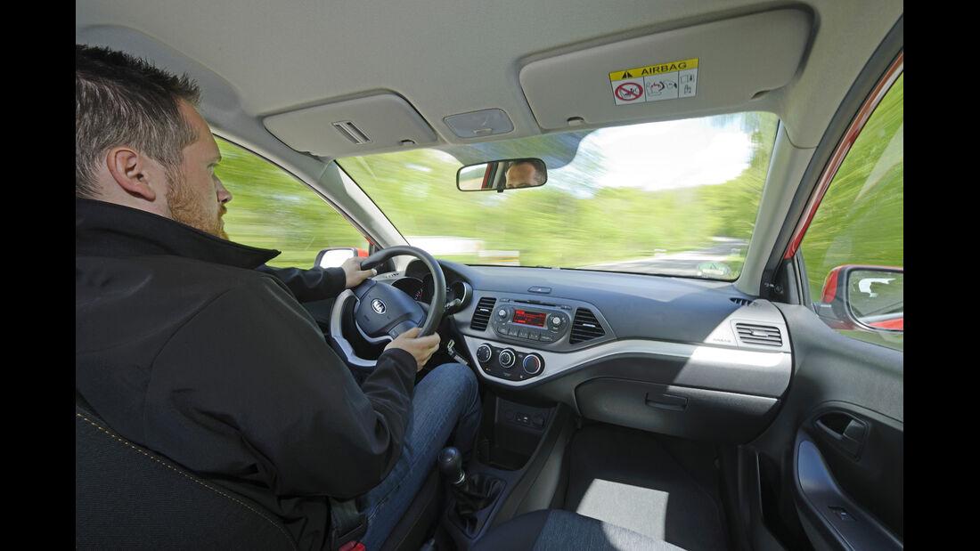 Kia Picanto 1.0 Edition, Fahrersicht, Cockpit