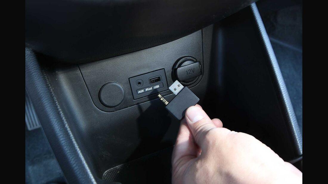 Kia Picanto 1.0, iPod-/USB-Anschluß