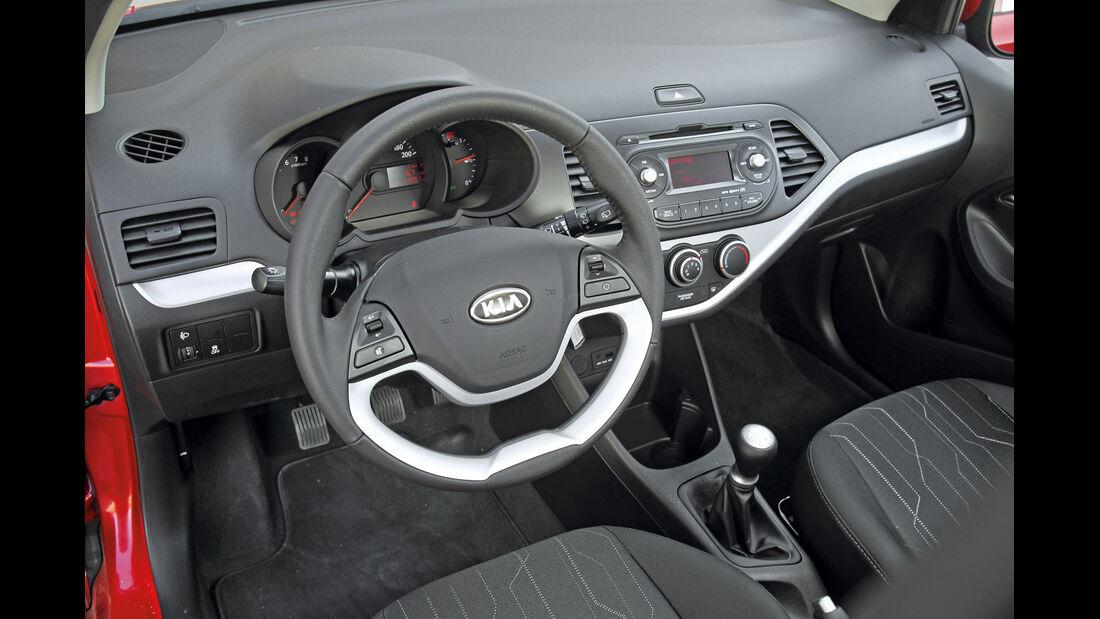Kia Picanto 1.2, Cockpit, Lenkrad