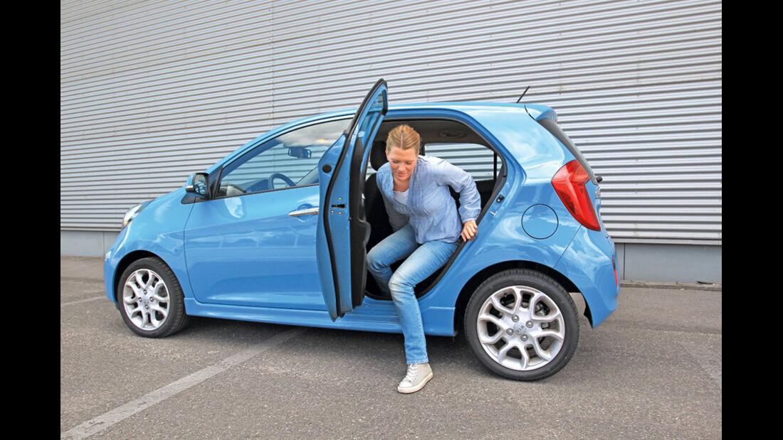 Kia Picanto ISG Spirit, Rücksitz, Aussteigen