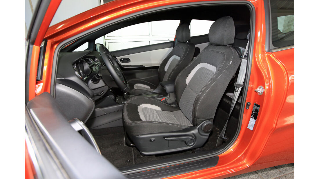 Kia Pro Cee 'd 1.6 CRDi 128 Spirit, Fahrersitz