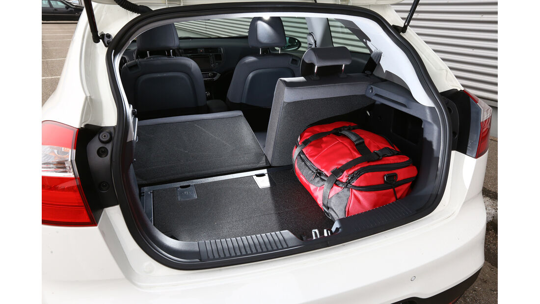 Kia Rio 1.4 Spirit, Kofferraum, Sitz umklappen