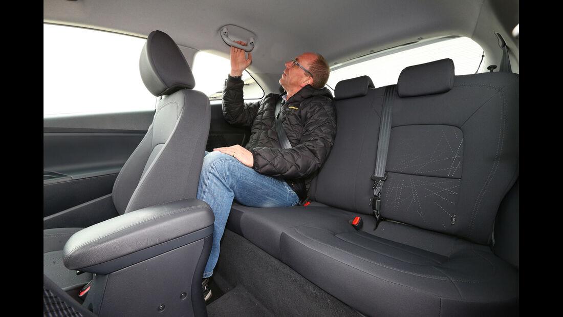 Kia Rio 1.4 Spirit, Rücksitz, Kopffreiheit