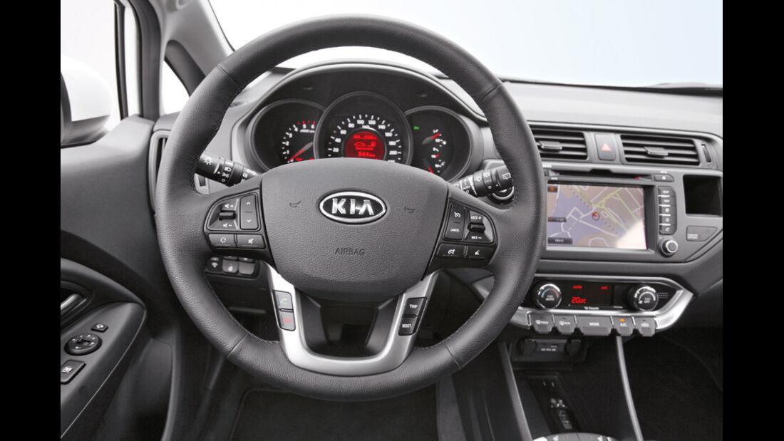 Kia Rio, Cockpit