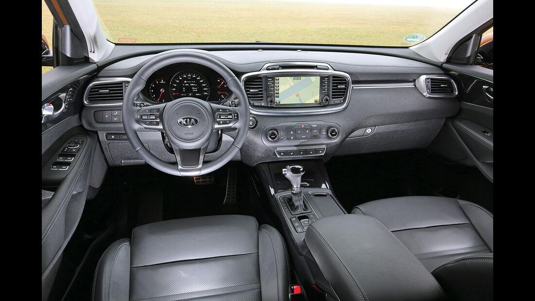 Kia Sorento 2.2 CRDi 4WD, Cockpit