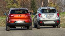 Kia Sportage 1.7 CRDi, Opel Mokka 1.7 CDTi, Heckansicht