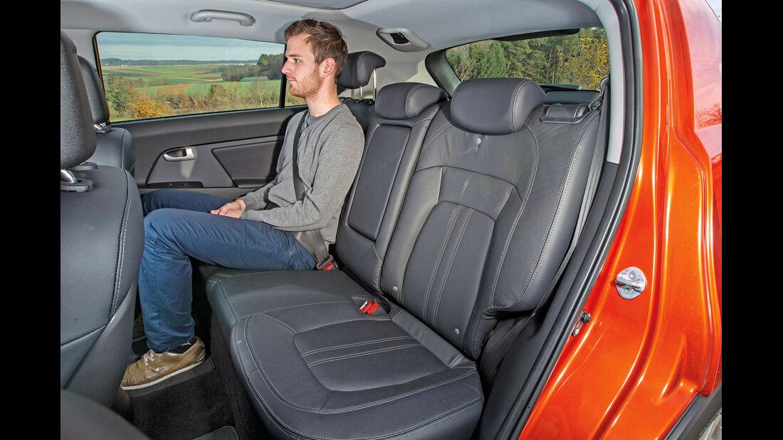 Kia Sportage 1.7 CRDi, Rücksitz, Beinfreiheit