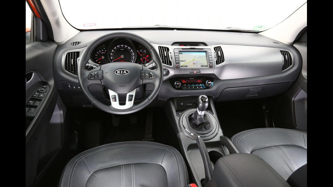 Kia Sportage 2.0 CRDI 4WD, Cockpit, Lenkrad