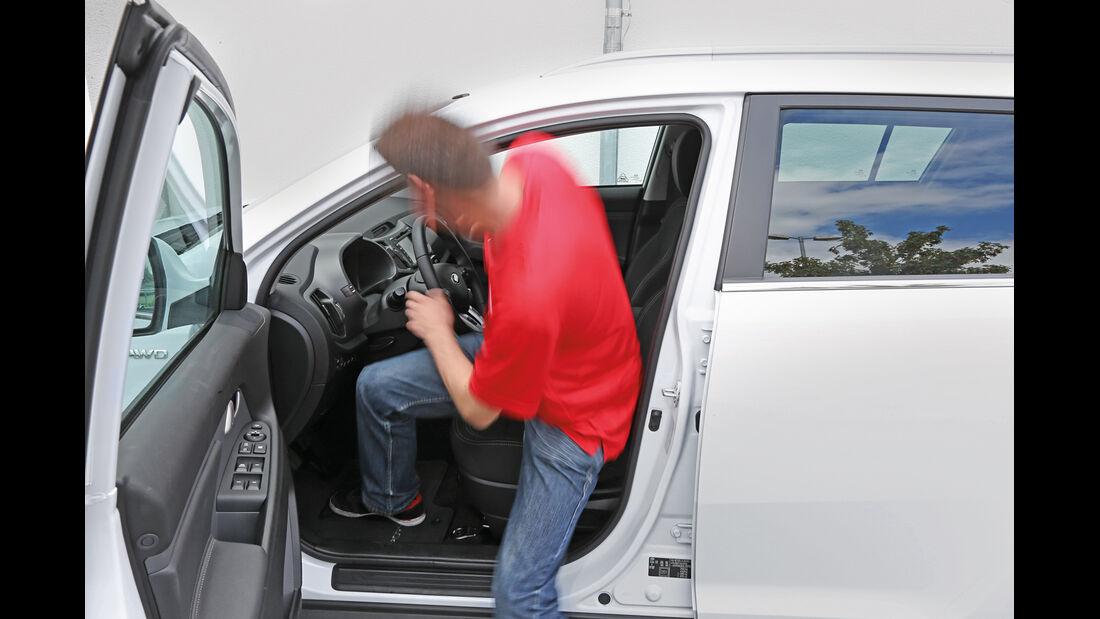 Kia Sportage 2.0 CRDi 4WD Vision, Einsteigen