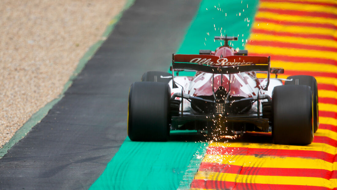 [Imagen: Kimi-Raeikkoenen-Alfa-Romeo-Formel-1-GP-...718427.jpg]