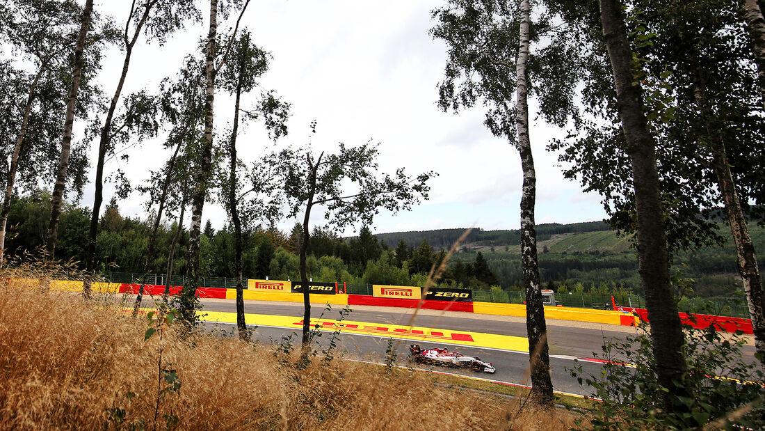 [Imagen: Kimi-Raeikkoenen-Alfa-Romeo-Formel-1-GP-...718457.jpg]