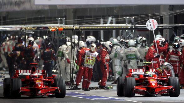 Kimi Räikkönen - Felipe Massa - Ferrari F2008 - GP Singapur 2008