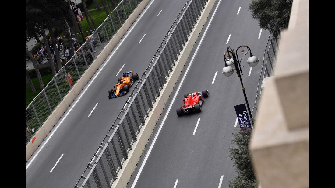 Kimi Räikkönen - Ferrari - Fernando Alonso - McLaren - Formel 1 - GP Aserbaidschan - 28. April 2018
