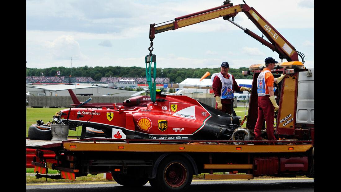 Kimi Räikkönen - GP England - Crashs 2014
