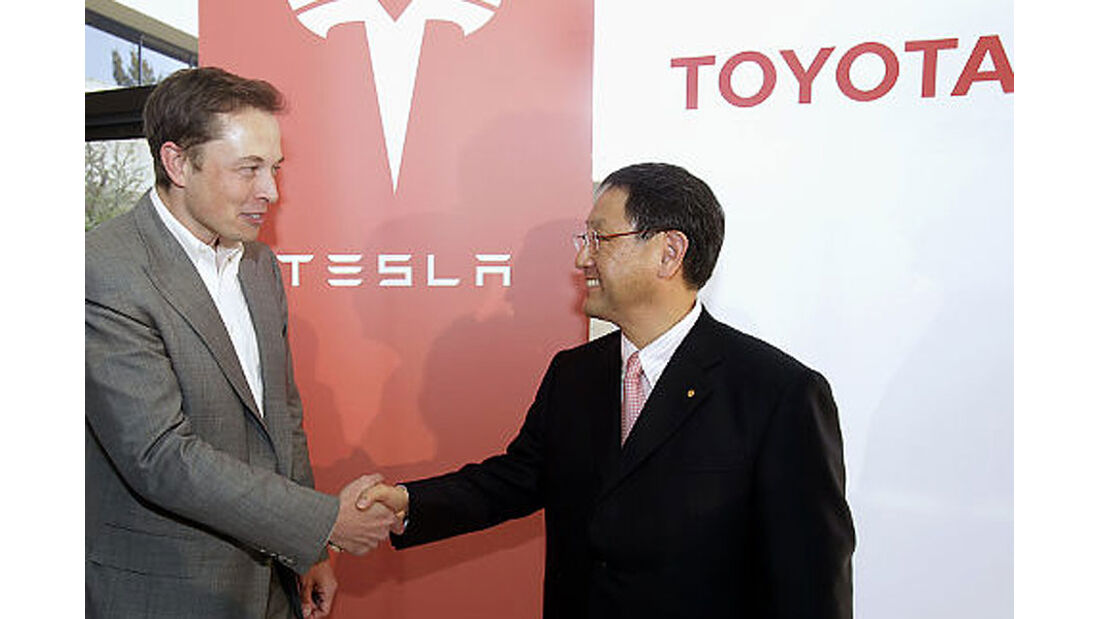 Kleinserien-Hersteller Tesla, Elon Musk und Akio Toyoda