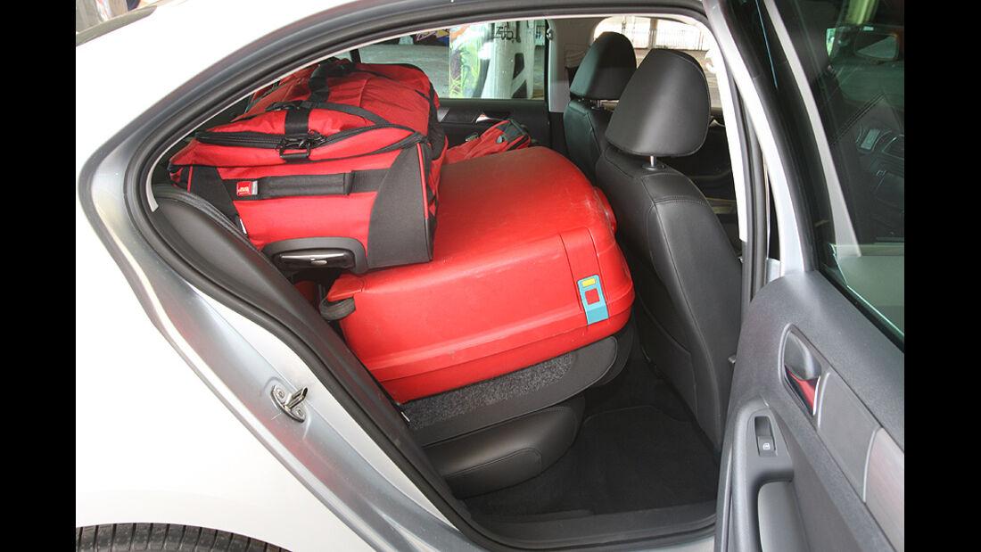 Kofferraumvolumen Test, VW Jetta, Heck, Rückbank